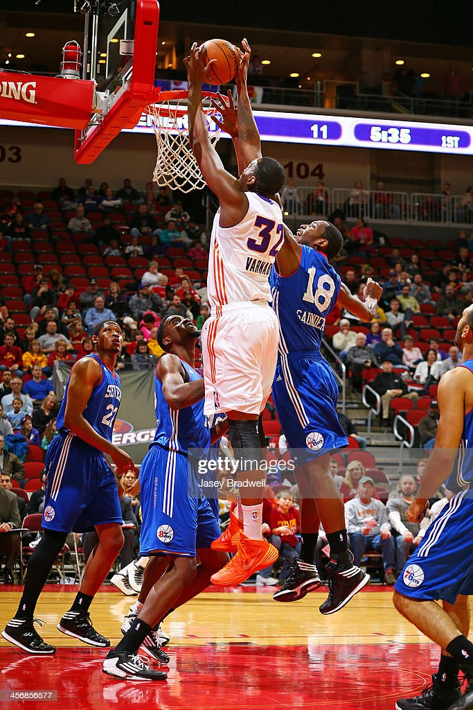 Jarvis Varnado of the Iowa Energy dunks against Thanasis Antetokounmpo of the Delaware 87ers in an NBA DLeague game on December 14 2013 at the Wells...