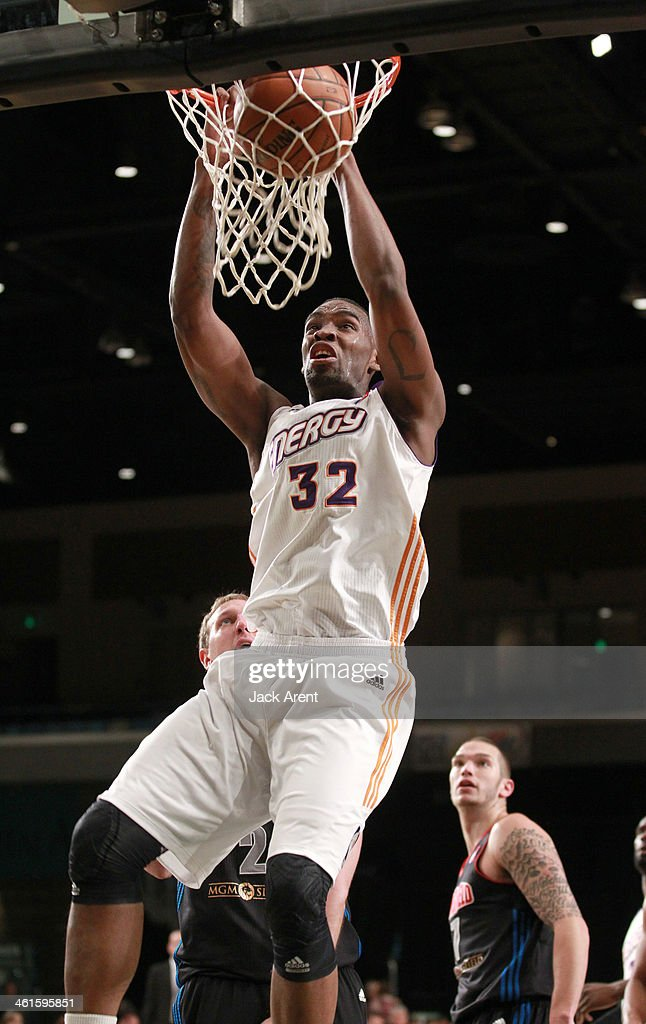 Jarvis Varnado of the Iowa Energy dunks the ball against the Springfield Armor during the 2014 NBA DLeague Showcase presented by Samsung Galaxy on...