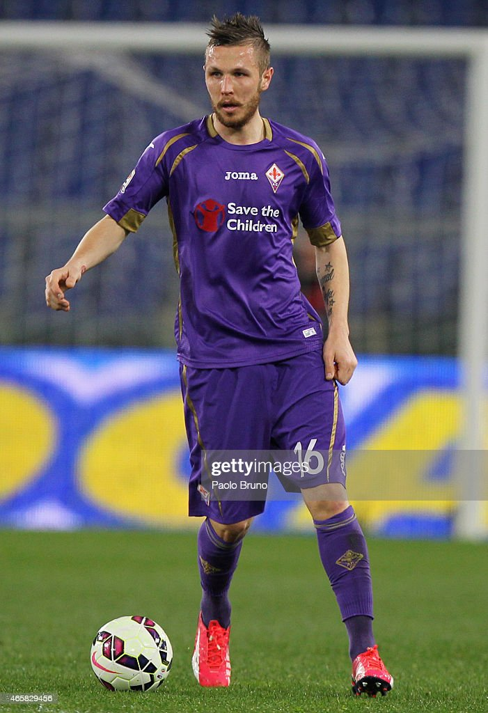<a gi-track='captionPersonalityLinkClicked' href=/galleries/search?phrase=Jasmin+Kurtic&family=editorial&specificpeople=7418994 ng-click='$event.stopPropagation()'>Jasmin Kurtic</a> of ACF Fiorentina in action during the Serie A match between SS Lazio and ACF Fiorentina at Stadio Olimpico on March 9, 2015 in Rome, Italy.