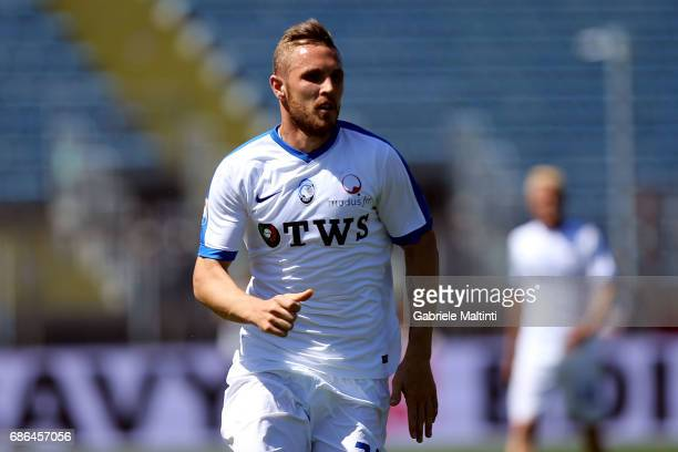 Jasmin Kurtic of Atalana BC in action during the Serie A match between Empoli FC and Atalanta BC at Stadio Carlo Castellani on May 21 2017 in Empoli...