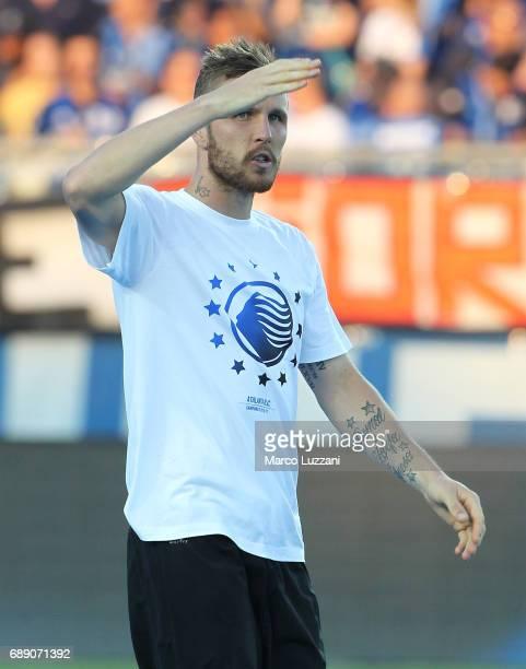Jasmin Kurtic of Atalanta BC celebrates the qualification at UEFA Europa League 2017/18 at the end of the Serie A match between Atalanta BC and AC...