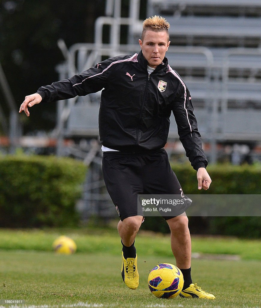 Jasmin Kurtic of Palermo in action during a training session at Tenente Carmelo Onorato Sports Center on January 10, 2013 in Palermo, Italy.