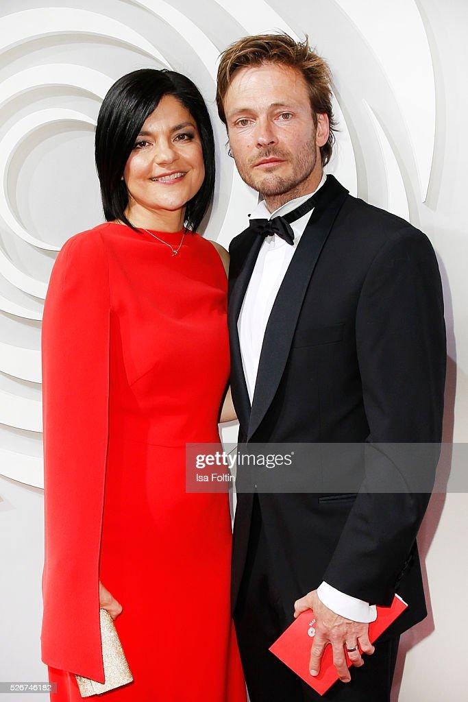 Jasmin Tabatabai and Andreas Pietschmann attend the Rosenball 2016 on April 30, 2016 in Berlin, Germany.