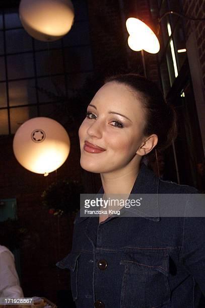 Jasmin Wagner Bei Der Verleihung Des 'Montblanc De La Cultur Arts Patronage Award 2001' In Hamburg Am 240401