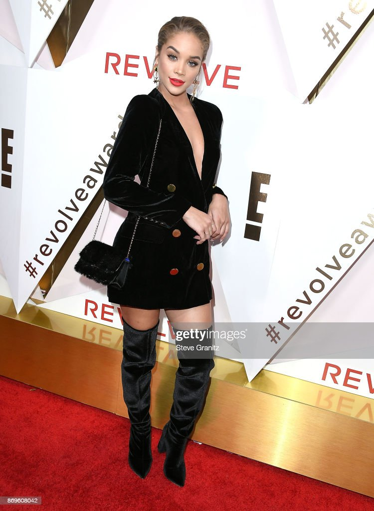 Jasmine Sanders arrives at the #REVOLVEawards at DREAM Hollywood on November 2, 2017 in Hollywood, California.