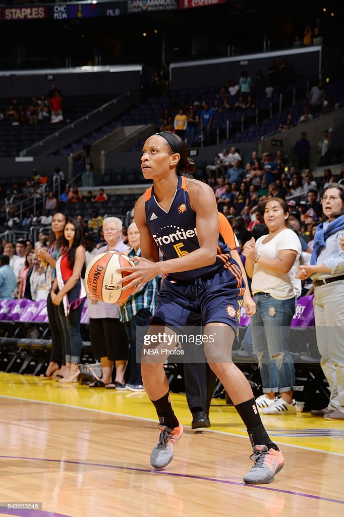 Jasmine Thomas #5 of the Connecticut Sun shoots the ball against the Los Angeles Sparks on June 26, 2016 at STAPLES Center in Los Angeles, California.
