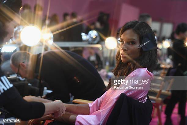 Jasmine Tookes poses backstage prior to the Victoria's Secret Fashion Show on November 30 2016 in Paris France