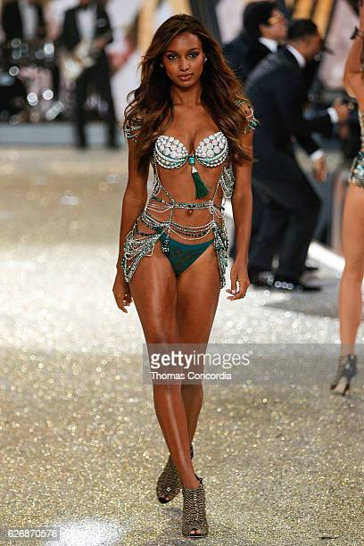 Jasmine Tookes walks the runway during the 2016 Victoria's Secret Fashion Show at the Grand Palais in Paris on November 30 2016 in Paris France