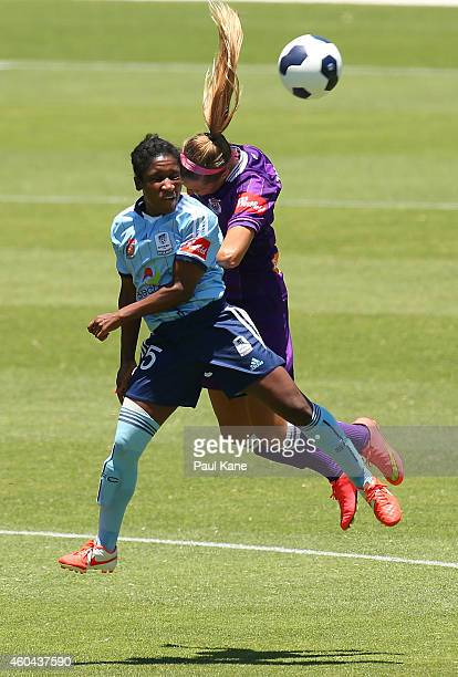 Jasmyne Spencer of Sydney and Shelina Zadorsky of the Glory contest a header during the WLeague semi final match between Perth Glory and Sydney FC at...