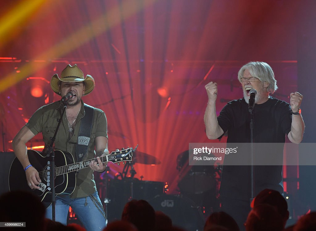 Jason Aldean and Bob Seger perform during the taping of CMT Crossroads: Bob Seger And Jason Aldean at The Factory on October 28, 2014 in Franklin, Tennessee.