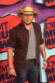 Jason Aldean arrives at the 2014 CMT Music awards at the Bridgestone Arena on June 4 2014 in Nashville Tennessee