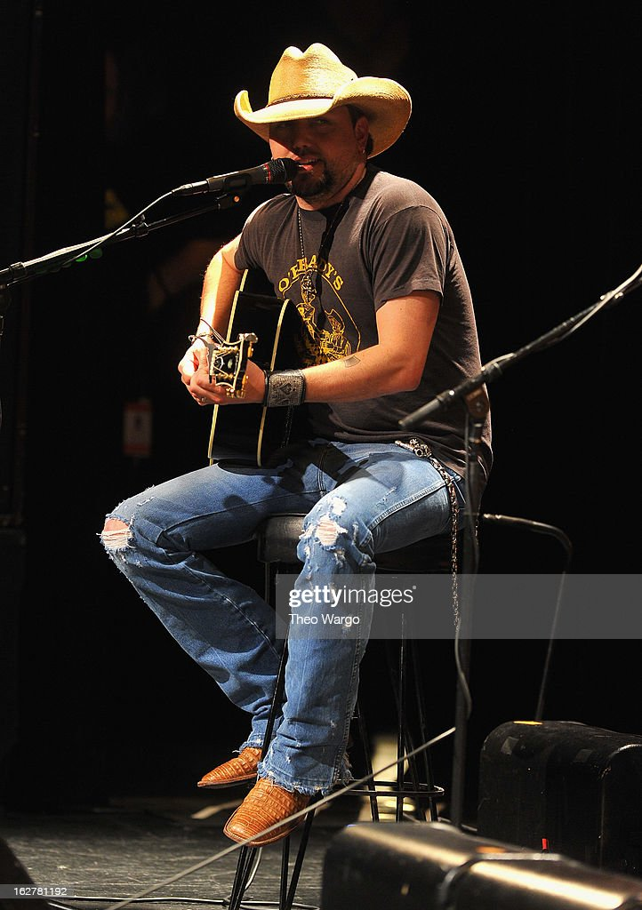 <a gi-track='captionPersonalityLinkClicked' href=/galleries/search?phrase=Jason+Aldean&family=editorial&specificpeople=619221 ng-click='$event.stopPropagation()'>Jason Aldean</a> performs during All For The Hall New York Benefiting The Country Music Hall Of Fame at Best Buy Theater on February 26, 2013 in New York City.