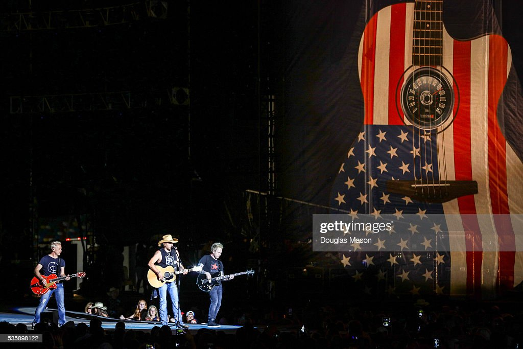 Jason Aldean performs during the Country 500 Music Festival 2016 at the Daytona International Speedway in Daytona Beach Florida.