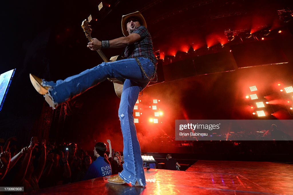Jason Aldean performs during the Night Train Tour 2013 at Fenway Park on July 20, 2013 in Boston, Massachusetts.