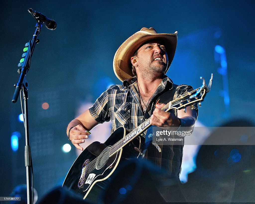 <a gi-track='captionPersonalityLinkClicked' href=/galleries/search?phrase=Jason+Aldean&family=editorial&specificpeople=619221 ng-click='$event.stopPropagation()'>Jason Aldean</a> performs during the Night Train Tour 2013 at Wrigley Field on July 20, 2013 in Chicago.