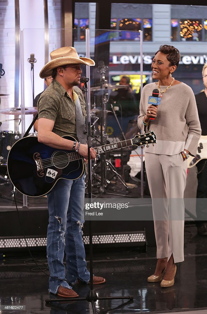 AMERICA - Jason Aldean performs live on 'Good Morning America,' 1/9/14, airing on the ABC Television Network. (Photo by Fred Lee/ABC via Getty Images) JASON ALDEAN, ROBIN ROBERTS