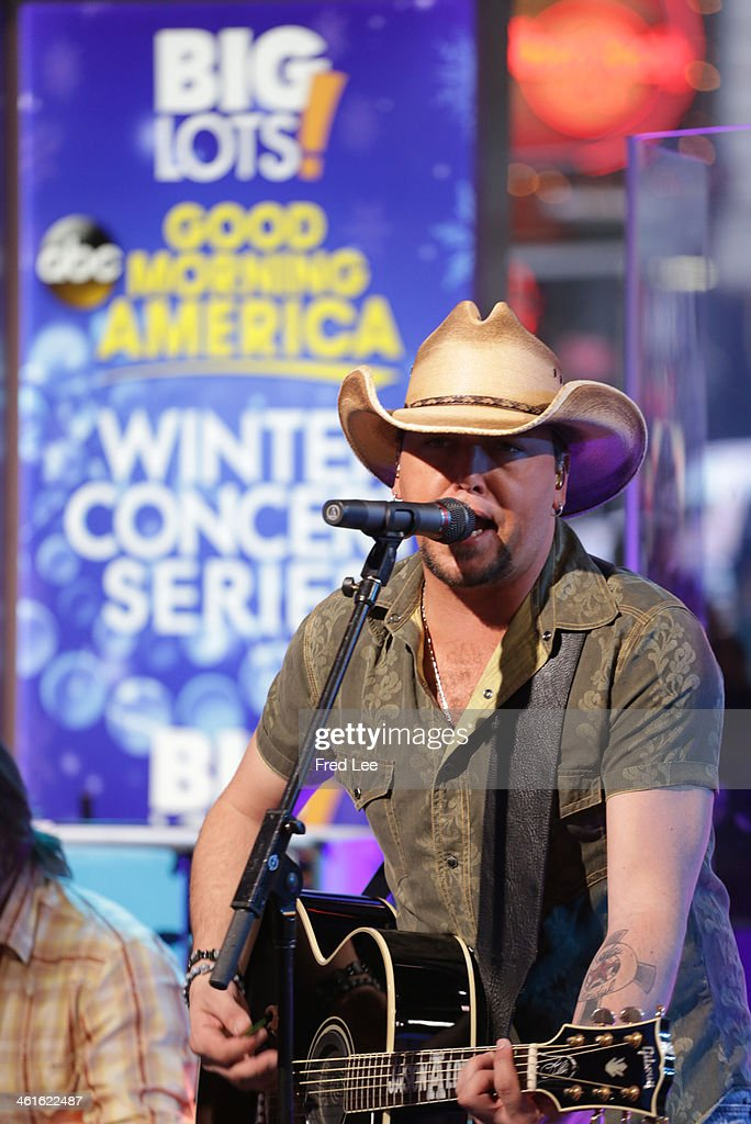 AMERICA - Jason Aldean performs live on 'Good Morning America,' 1/9/14, airing on the ABC Television Network. (Photo by Fred Lee/ABC via Getty Images) JASON ALDEAN