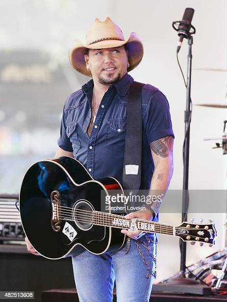 Jason Aldean performs on NBC's 'Today' at Rockefeller Plaza on July 31 2015 in New York City