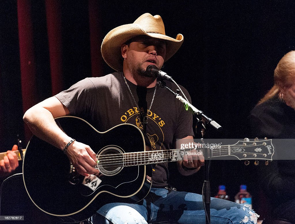 <a gi-track='captionPersonalityLinkClicked' href=/galleries/search?phrase=Jason+Aldean&family=editorial&specificpeople=619221 ng-click='$event.stopPropagation()'>Jason Aldean</a> performs on stage during the All For The Hall New York concert benefiting the Country Music Hall Of Fame at Best Buy Theater on February 26, 2013 in New York City.