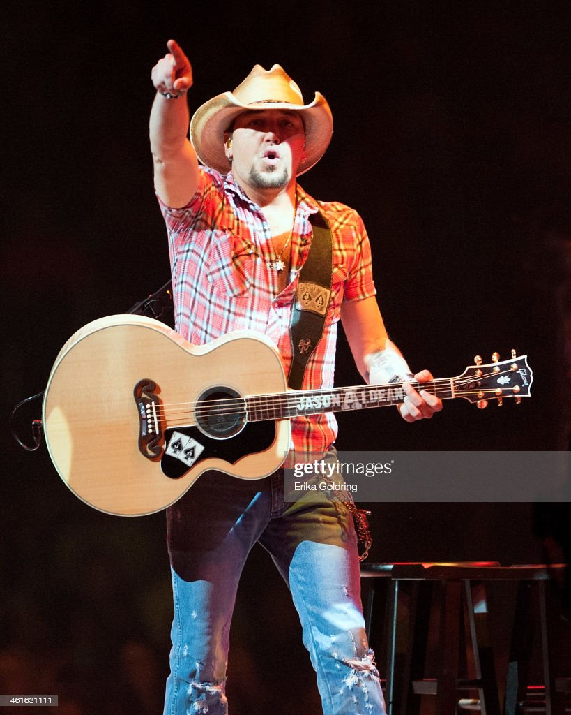 <a gi-track='captionPersonalityLinkClicked' href=/galleries/search?phrase=Jason+Aldean&family=editorial&specificpeople=619221 ng-click='$event.stopPropagation()'>Jason Aldean</a> performs to a sold-out arena at CenturyLink Center on January 9, 2014 in Bossier City, Louisiana.
