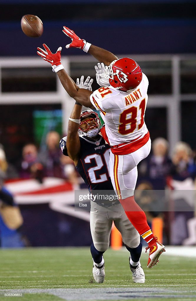 <a gi-track='captionPersonalityLinkClicked' href=/galleries/search?phrase=Jason+Avant&family=editorial&specificpeople=616486 ng-click='$event.stopPropagation()'>Jason Avant</a> #81 of the Kansas City Chiefs makes a catch in the second half against <a gi-track='captionPersonalityLinkClicked' href=/galleries/search?phrase=Logan+Ryan&family=editorial&specificpeople=8222226 ng-click='$event.stopPropagation()'>Logan Ryan</a> #26 of the New England Patriots during the AFC Divisional Playoff Game at Gillette Stadium on January 16, 2016 in Foxboro, Massachusetts.