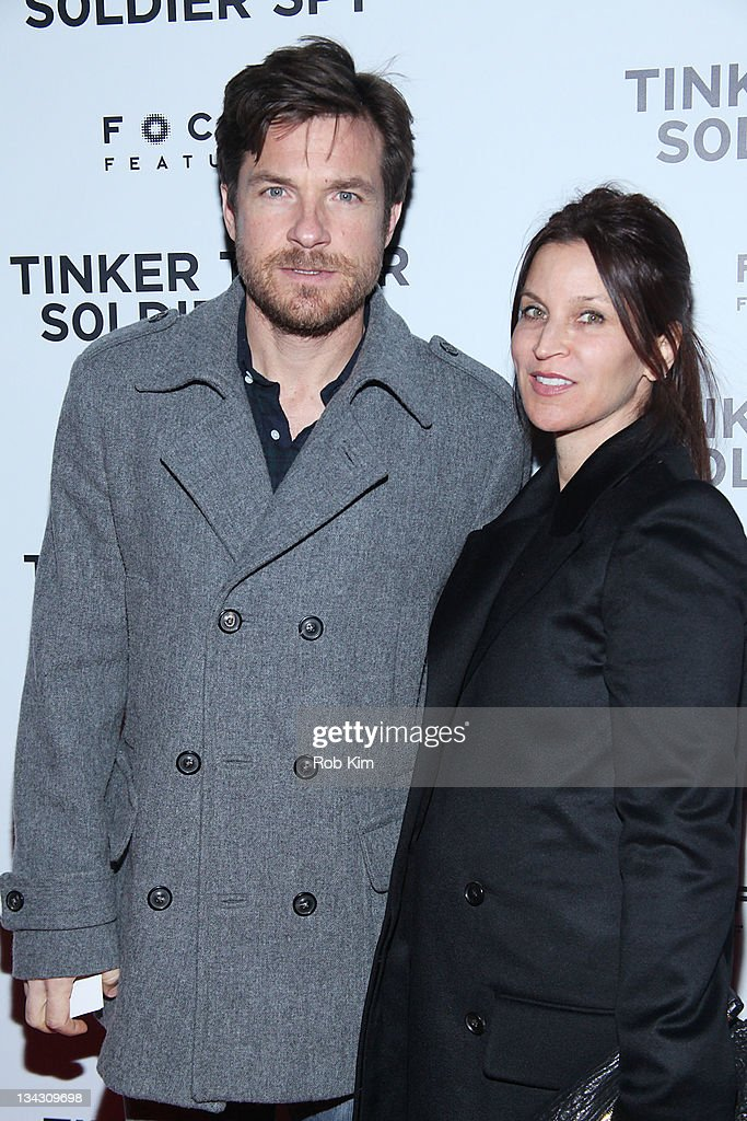 <a gi-track='captionPersonalityLinkClicked' href=/galleries/search?phrase=Jason+Bateman&family=editorial&specificpeople=204774 ng-click='$event.stopPropagation()'>Jason Bateman</a> and wife <a gi-track='captionPersonalityLinkClicked' href=/galleries/search?phrase=Amanda+Anka&family=editorial&specificpeople=2465465 ng-click='$event.stopPropagation()'>Amanda Anka</a> attend the premiere of 'Tinker Tailor Soldier Spy' at Landmark Sunshine Theater on November 30, 2011 in New York City.