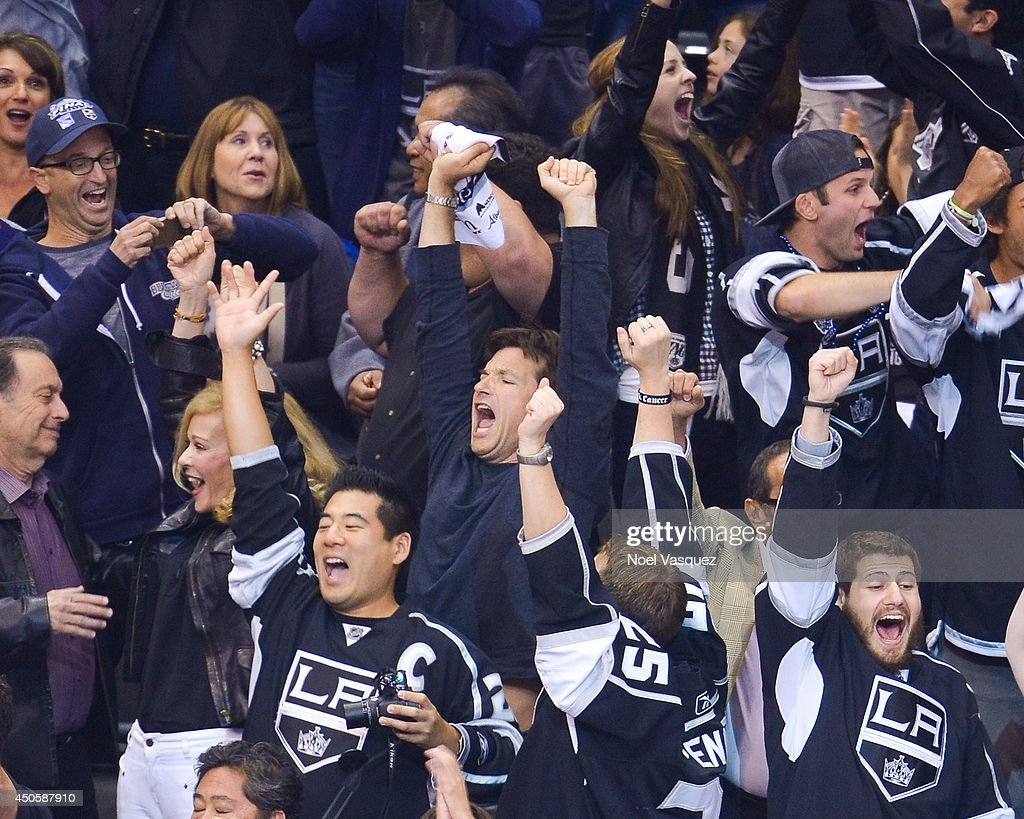 <a gi-track='captionPersonalityLinkClicked' href=/galleries/search?phrase=Jason+Bateman&family=editorial&specificpeople=204774 ng-click='$event.stopPropagation()'>Jason Bateman</a> attends Game Five of the 2014 Stanley Cup Final between the Los Angeles Kings and the New York Rangers at the Staples Center on June 13, 2014 in Los Angeles, California.