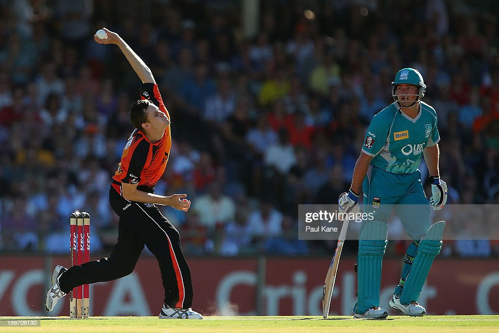 Jason Behrendorff of the Scorchers bowls during the Big Bash League final match between the Perth Scorchers and the Brisbane Heat at the WACA on January 19, 2013 in Perth, Australia.
