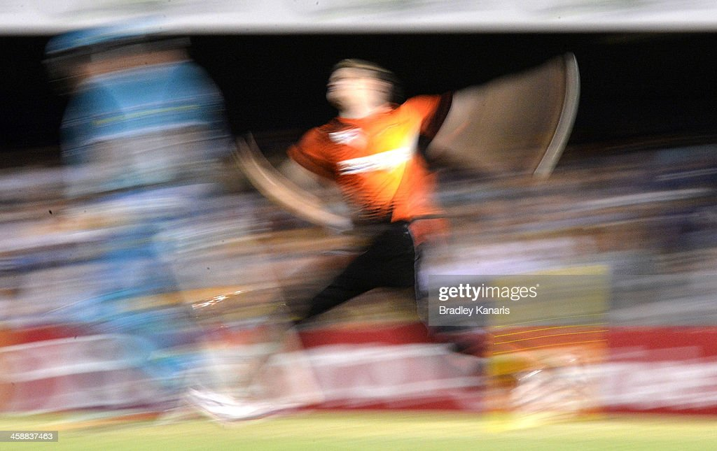 Jason Behrendorff of the Scorchers bowls during the Big Bash League match between the Brisbane Heat and the Perth Scorchers at The Gabba on December 22, 2013 in Brisbane, Australia.