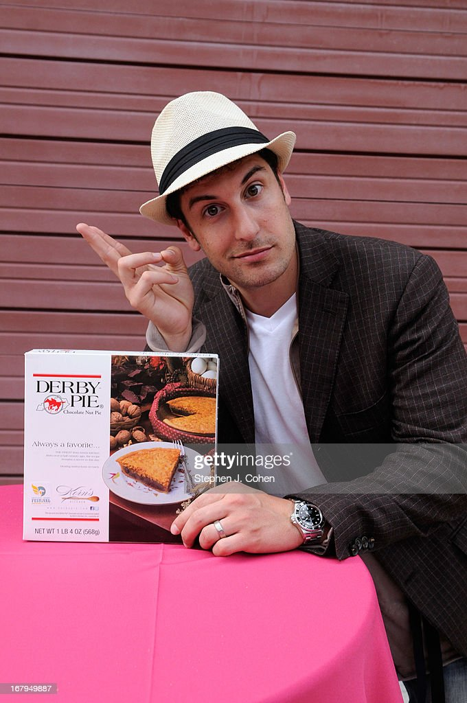 <a gi-track='captionPersonalityLinkClicked' href=/galleries/search?phrase=Jason+Biggs+-+Actor&family=editorial&specificpeople=210701 ng-click='$event.stopPropagation()'>Jason Biggs</a> attends Kentucky Derby Festival Pegasus Parade staging area at Louisville Stoneware on May 2, 2013 in Louisville, Kentucky.