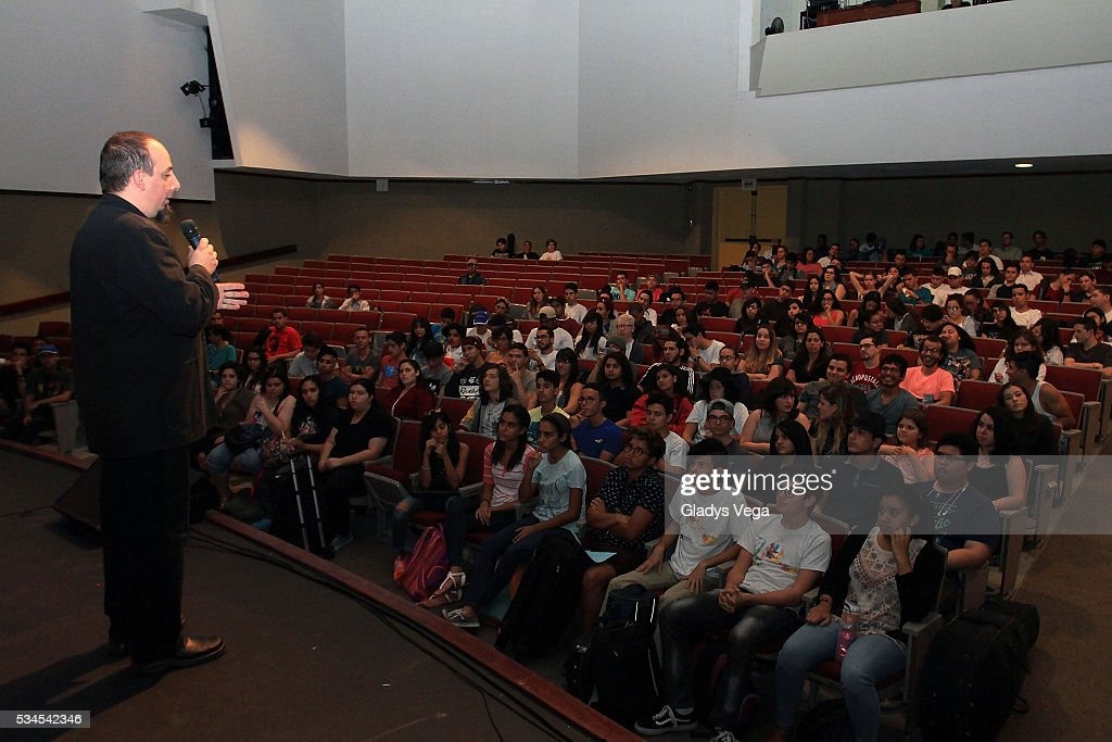 Jason Camelio, Director Global Initiatives of Berklee talks to students as part of Latin GRAMMY Master Class at Escuela de Bellas Artes on May 26, 2016 in Carolina, Puerto Rico.