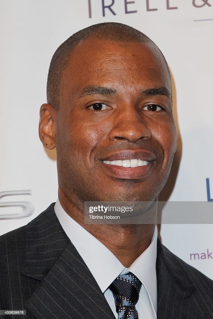 Jason Collins attends the Lambda Legal 2014 West Coast Liberty Awards at the Beverly Wilshire Four - jason-collins-attends-the-lambda-legal-2014-west-coast-liberty-awards-picture-id450639976