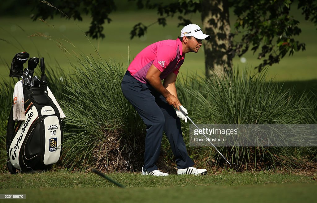 <a gi-track='captionPersonalityLinkClicked' href=/galleries/search?phrase=Jason+Day+-+Golfer&family=editorial&specificpeople=4534484 ng-click='$event.stopPropagation()'>Jason Day</a> of Australia checks the lie of his ball on the second hole during the second round of the Zurich Classic of New Orleans at TPC Louisiana on April 29, 2016 in Avondale, Louisiana.