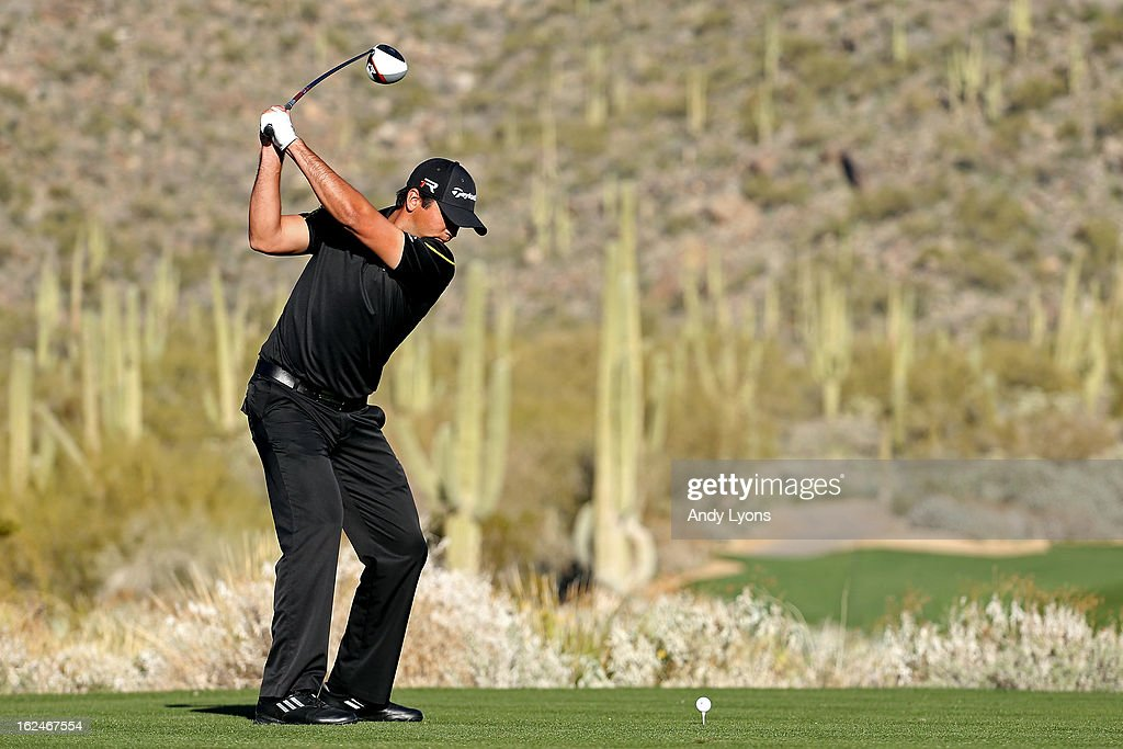 Jason Day of AUstralia hits his tee shot on the 15th hole during the quarterfinal round of the World Golf Championships - Accenture Match Play at the Golf Club at Dove Mountain on February 23, 2013 in Marana, Arizona.