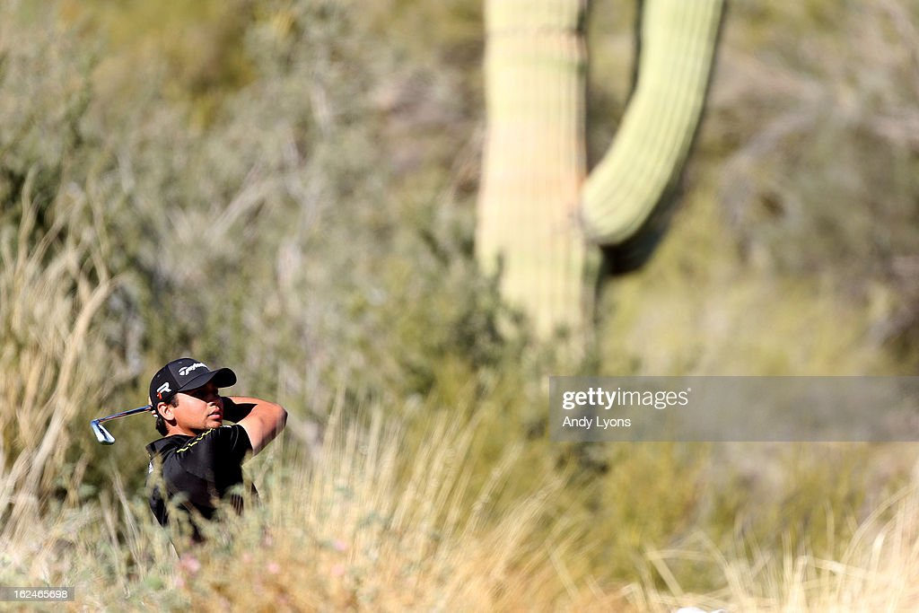<a gi-track='captionPersonalityLinkClicked' href=/galleries/search?phrase=Jason+Day+-+Golfspieler&family=editorial&specificpeople=4534484 ng-click='$event.stopPropagation()'>Jason Day</a> of AUstralia hits is tee shot on the 12th hole during the quarterfinal round of the World Golf Championships - Accenture Match Play at the Golf Club at Dove Mountain on February 23, 2013 in Marana, Arizona.