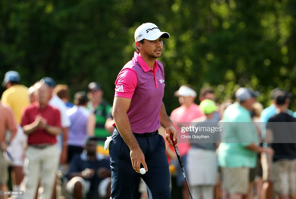 <a gi-track='captionPersonalityLinkClicked' href=/galleries/search?phrase=Jason+Day+-+Golfspieler&family=editorial&specificpeople=4534484 ng-click='$event.stopPropagation()'>Jason Day</a> of Australia reacts after putting in on the first hole during the second round of the Zurich Classic of New Orleans at TPC Louisiana on April 29, 2016 in Avondale, Louisiana.