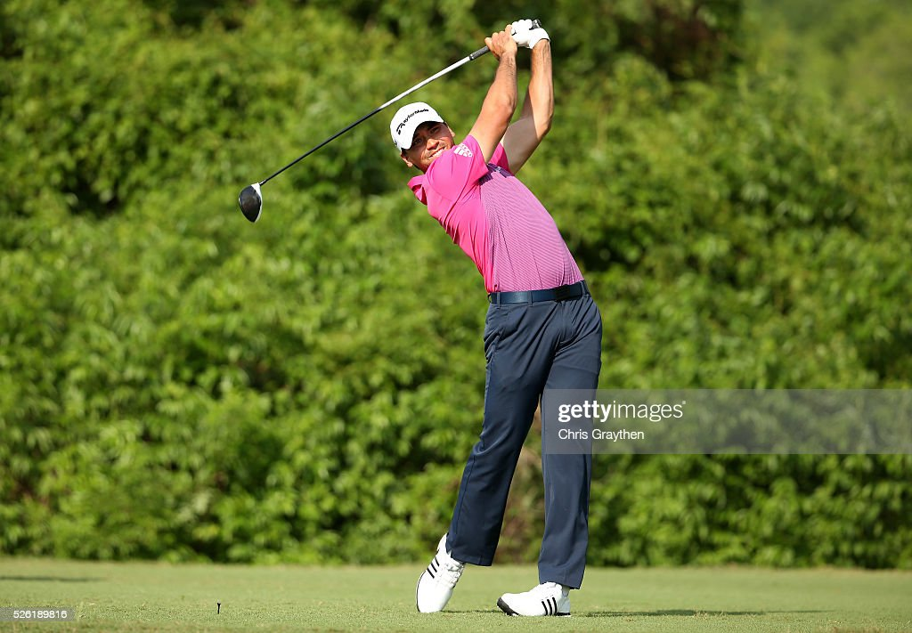 <a gi-track='captionPersonalityLinkClicked' href=/galleries/search?phrase=Jason+Day+-+Golfer&family=editorial&specificpeople=4534484 ng-click='$event.stopPropagation()'>Jason Day</a> of Australia tees off on the second hole during the second round of the Zurich Classic of New Orleans at TPC Louisiana on April 29, 2016 in Avondale, Louisiana.