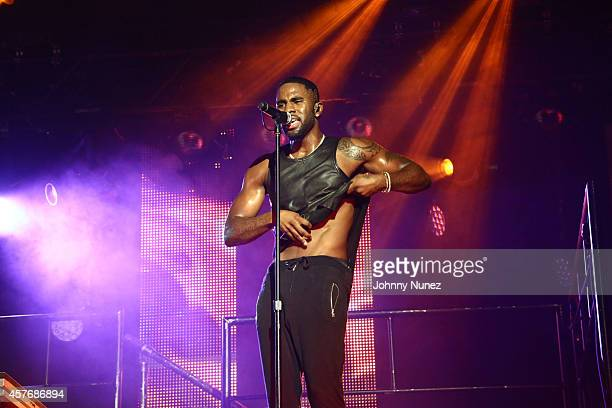 Jason Derulo performs at Best Buy Theater on October 22 2014 in New York City