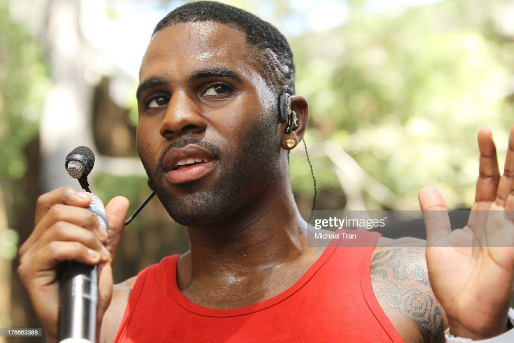 <a gi-track='captionPersonalityLinkClicked' href=/galleries/search?phrase=Jason+Derulo&family=editorial&specificpeople=5745869 ng-click='$event.stopPropagation()'>Jason Derulo</a> performs onstage at the Warner Bros. Records Summer Sessions held at Warner Bros. Records outdoor patio on August 16, 2013 in Burbank, California.