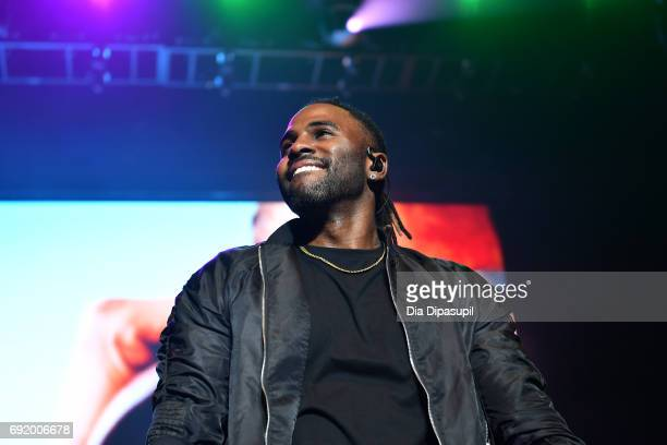 Jason Derulo performs onstage during 1035 KTU's KTUphoria 2017 presented by ATT at Northwell Health at Jones Beach Theater on June 3 2017 in Wantagh...