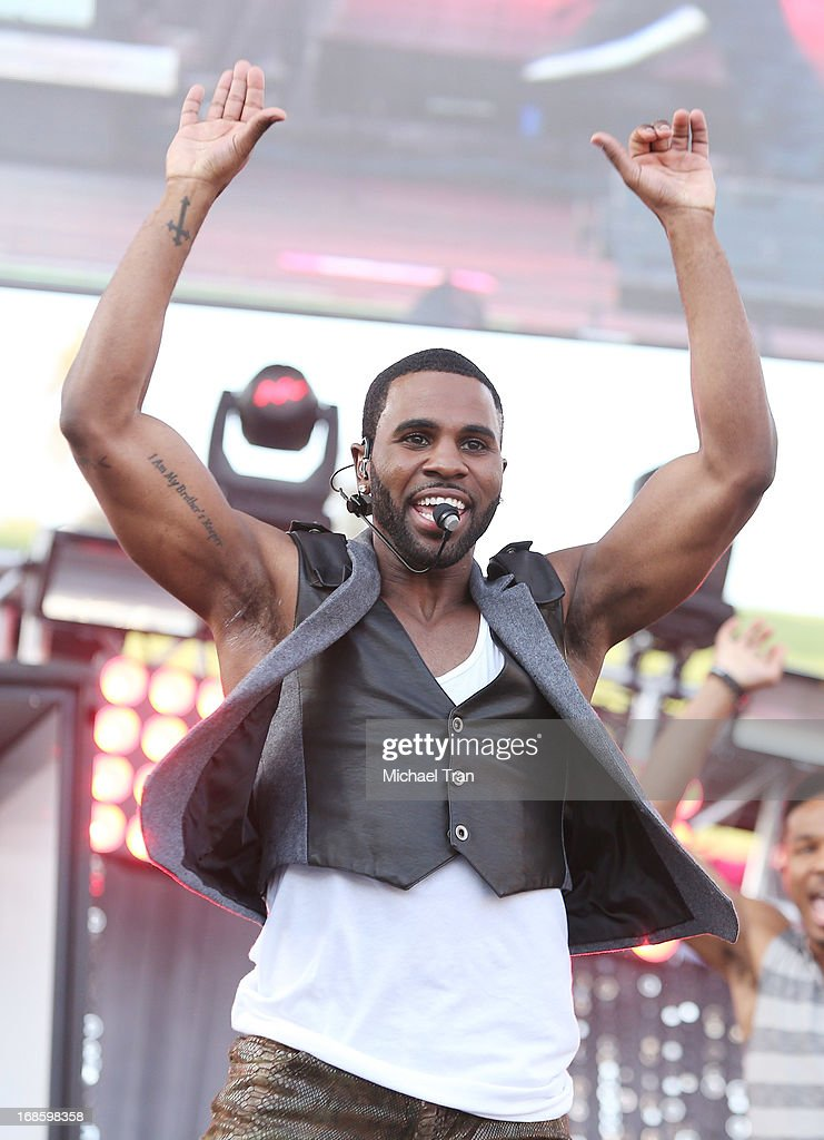 Jason Derulo performs onstage during the 2013 KIIS FM's Wango Tango held at The Home Depot Center on May 11, 2013 in Carson, California.
