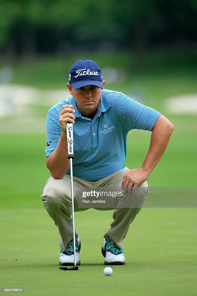<a gi-track='captionPersonalityLinkClicked' href=/galleries/search?phrase=Jason+Dufner&family=editorial&specificpeople=561651 ng-click='$event.stopPropagation()'>Jason Dufner</a> lines up a putt on the second green during the First Round of the DEAN & DELUCA Invitational at Colonial Country Club on May 26, 2016 in Fort Worth, Texas.
