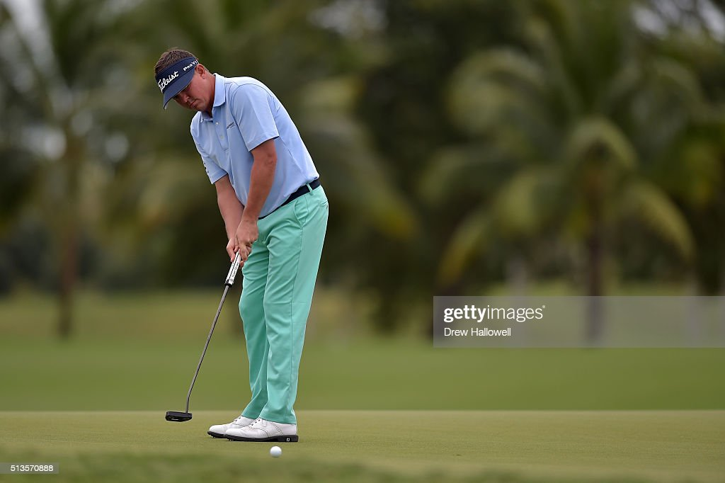 Jason Dufner makes his putt for birdie on the 17th hole during the first round of the World Golf Championships-Cadillac Championship at Trump National Doral Blue Monster Course on March 3, 2016 in Doral, Florida.