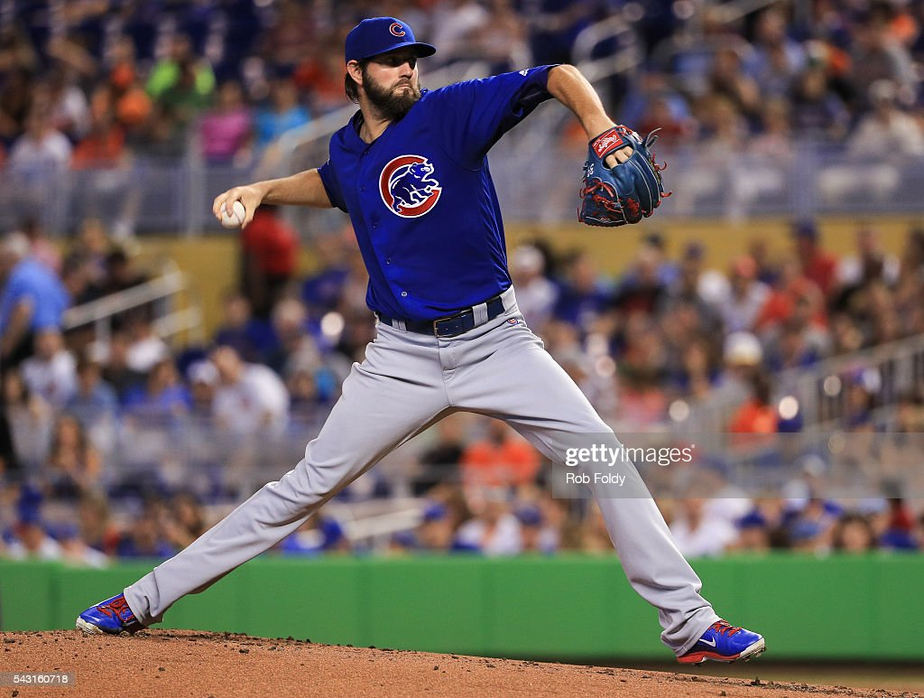 Jason Hammel #39 of the Chicago Cubs pitches during the first inning of the game against the Miami Marlins at Marlins Park on June 26, 2016 in Miami, Florida.