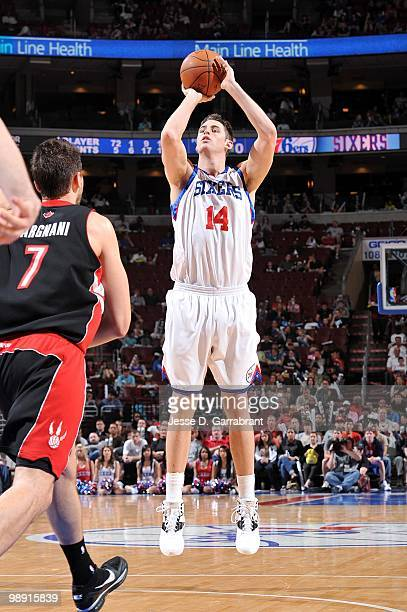 Jason Kapono of the Philadelphia 76ers makes a jumpshot against the Toronto Raptors during the game at Wachovia Center on April 3 2010 in...