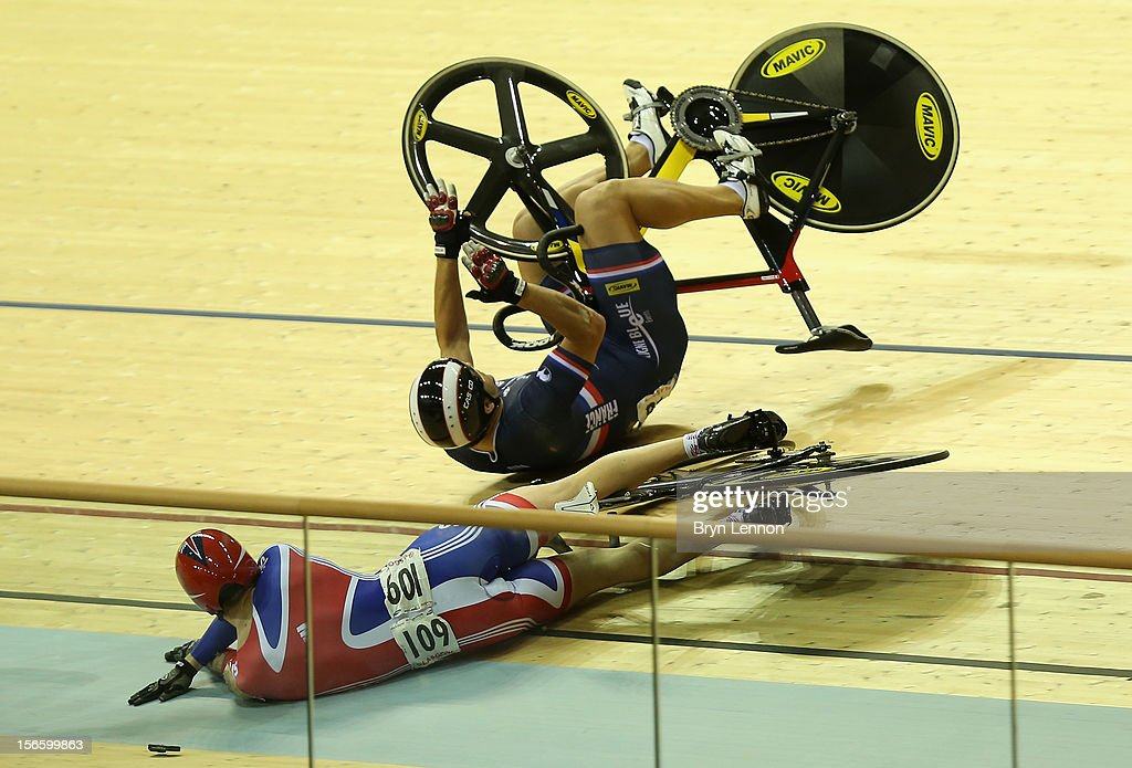<a gi-track='captionPersonalityLinkClicked' href=/galleries/search?phrase=Jason+Kenny&family=editorial&specificpeople=4167086 ng-click='$event.stopPropagation()'>Jason Kenny</a> of Great Britain crashes out of the Men's Kierin Final on day two of the UCI Track Cycling World Cup at Sir Chris Hoy Velodrome on November 17, 2012 in Glasgow, Scotland.