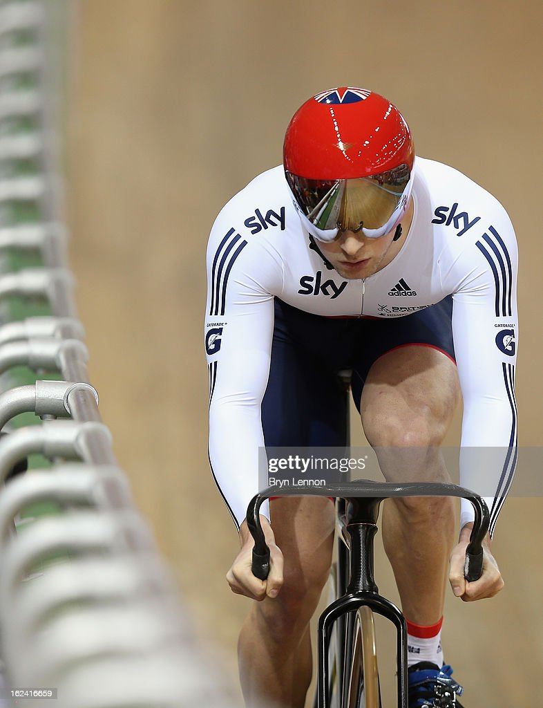 Jason Kenny of Great Britain in action during qualifying for the Men's Sprint on day four of the 2013 UCI Track World Championships at the Minsk Arena on February 23, 2013 in Minsk, Belarus.