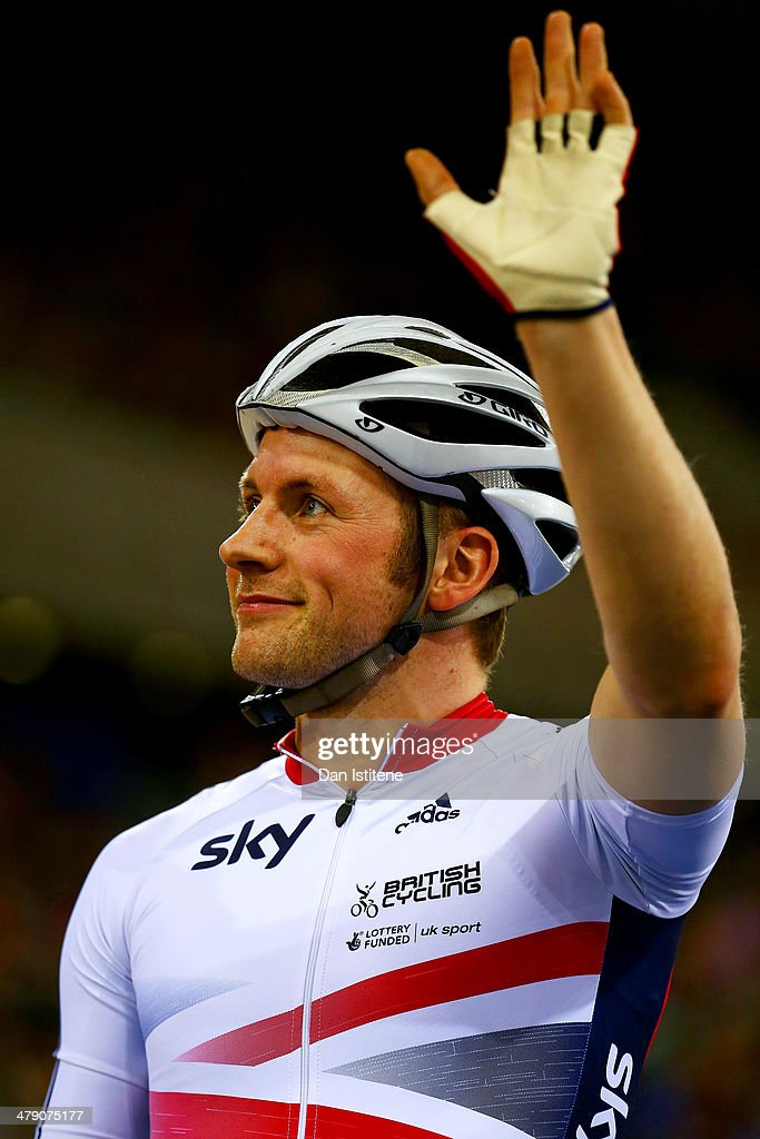 <a gi-track='captionPersonalityLinkClicked' href=/galleries/search?phrase=Jason+Kenny&family=editorial&specificpeople=4167086 ng-click='$event.stopPropagation()'>Jason Kenny</a> of Great Britain waves to the crowd after competing during Revolution 5 at the Velodrome in the Lee Valley Velopark on March 15, 2014 in London, England.