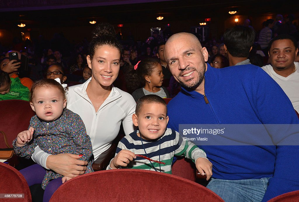 <a gi-track='captionPersonalityLinkClicked' href=/galleries/search?phrase=Jason+Kidd&family=editorial&specificpeople=201560 ng-click='$event.stopPropagation()'>Jason Kidd</a> and wife Porschla Coleman with their children attend 'Yo Gabba Gabba! Live!' at The Beacon Theatre on December 21, 2013 in New York City.