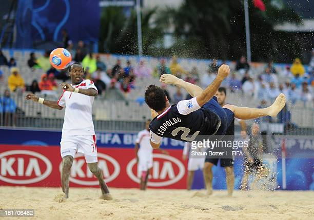 Jason Leopoldo of USA scores during the FIFA Beach Soccer World Cup Tahiti 2013 Group A match between United Arab Emirates and USA at the Tahua...